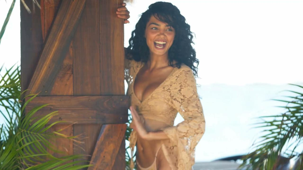 Raven Lyn Outtakes SI Swimsuit 2018