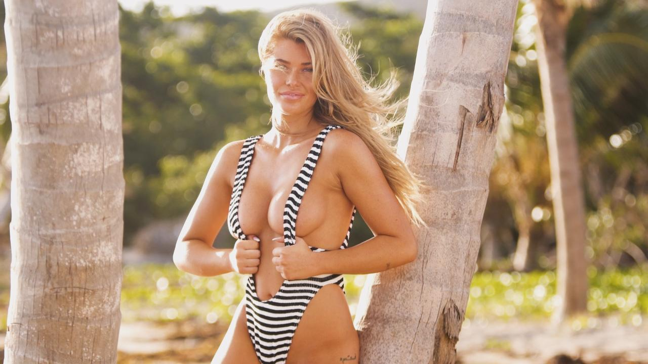 Samantha Hoopes travels with Sports Illustrated Swimsuit to Nevis