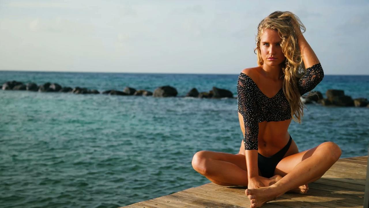 Sailor Brinkley Cook Gives Modeling Lessons