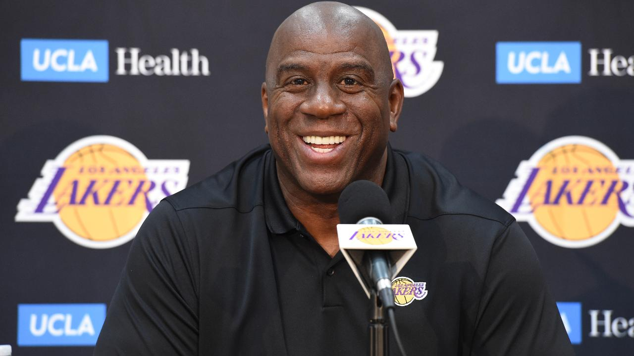 Magic Johnson Wants to Meet to Share 'Big Guard Secrets' With Ben Simmons