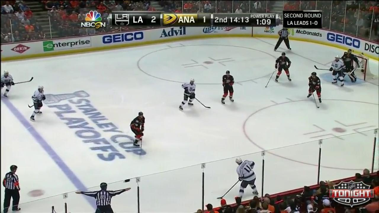 Quick stymies Ducks in Kings' 3-1 Game 2 win